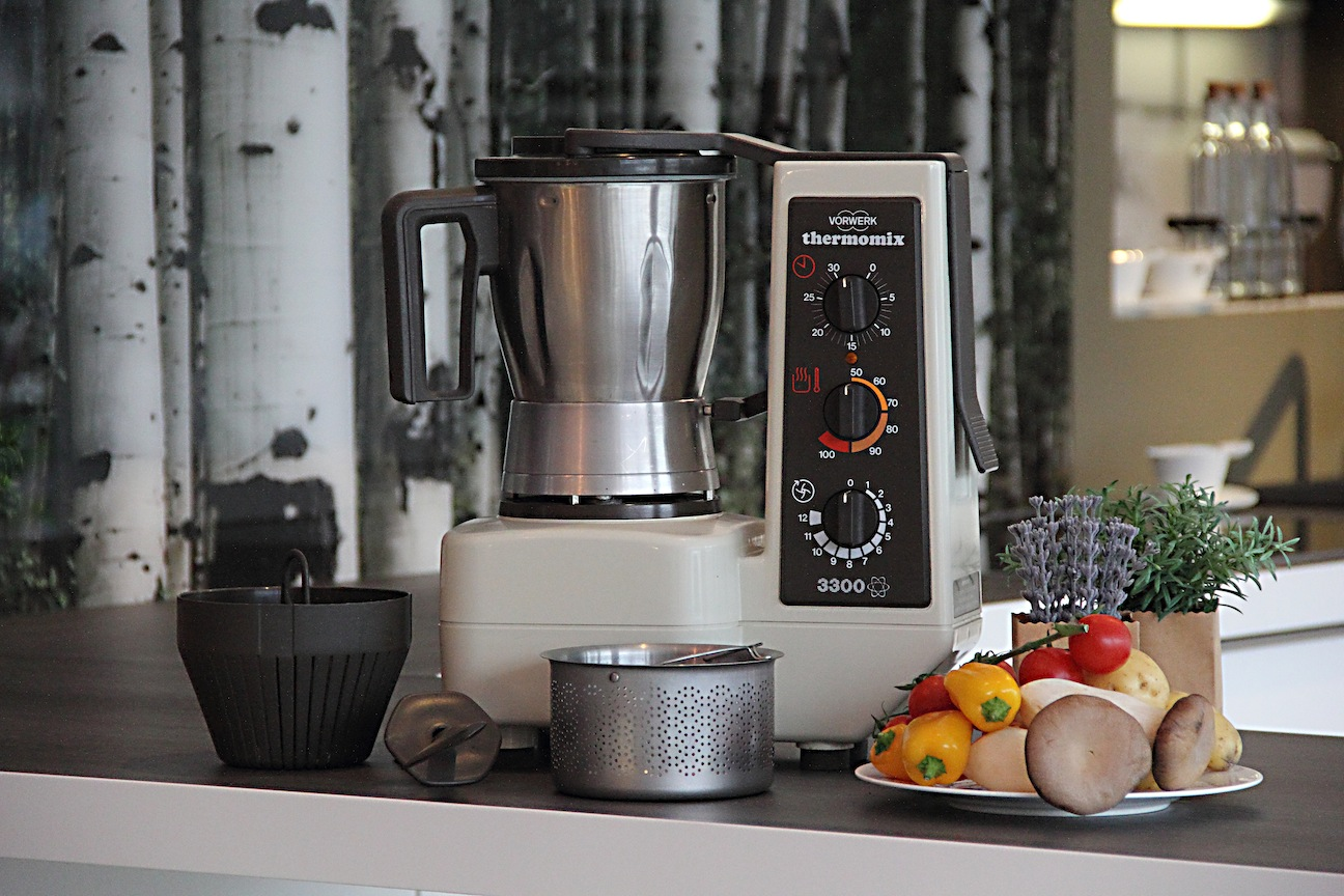 Vorwerk thermomix tm 3300 with complete accessory set tm3300 bimby ebay - Thermomix 3300 recettes ...